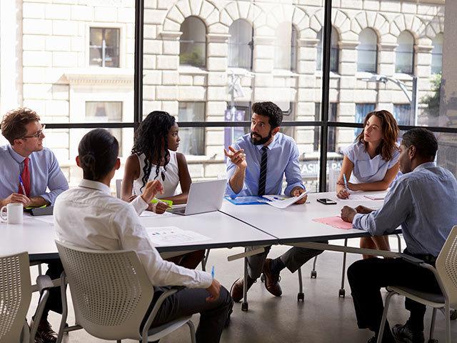 pratar om arbetsmiljö företagsutbildningar
